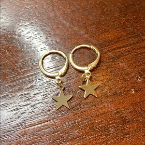 Small star gold hoops